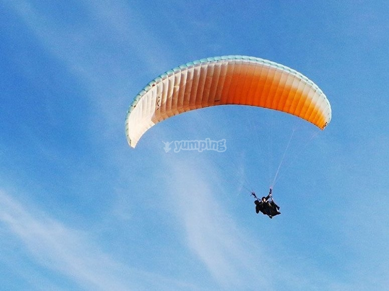 Sesion de vuelo en parapente