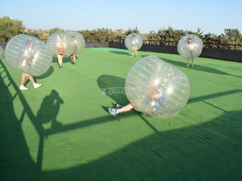 Partida de futbol burbuja