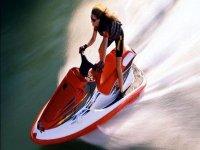 La emoción de las motoso de agua