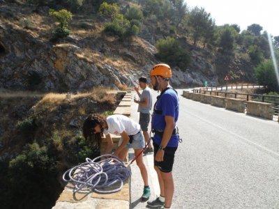 Bungee jumping nel Jorox Canyon e foto