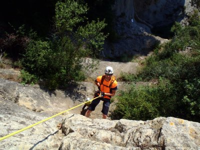 Abseiling course in Centelles 4 hours + photos