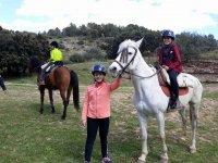 Preparados para la ruta a caballo