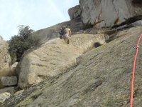 Pasando al otro lado de la roca