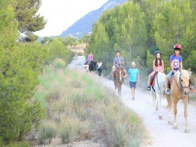 Paseo a caballo en Tibi y alojamiento casa rural