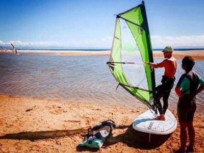 9 Pies Escuela de Surf  Windsurf