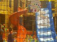 Juego en el parque infantil de Logroño 2 horas