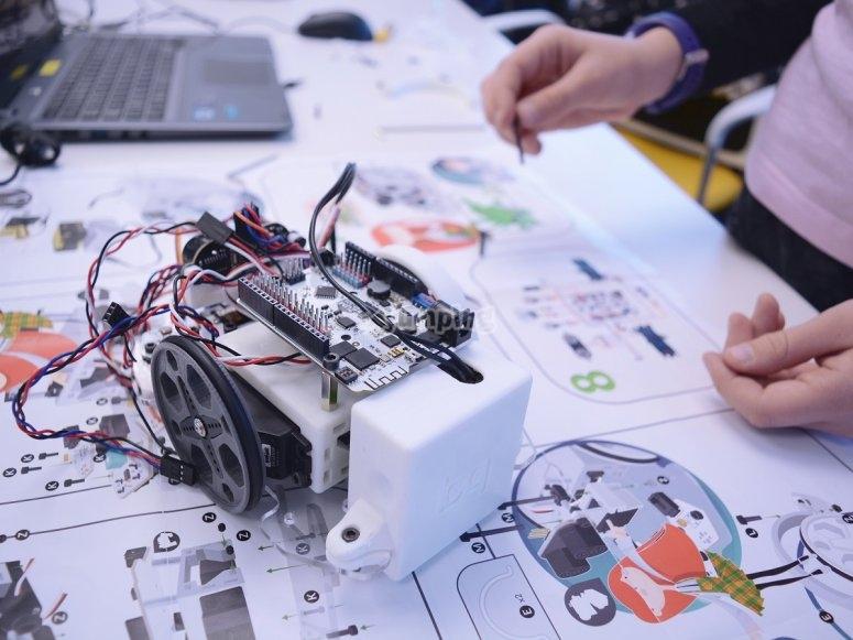创建机器人