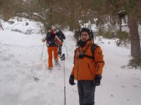 Climbing the port with snowshoes