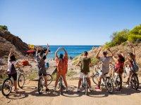 Grupo en bici por Benidorm