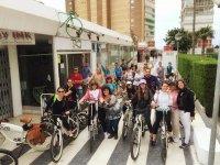 Recogiendo las bicis para la ruta