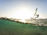 Clases privadas de windsurf a todos los niveles