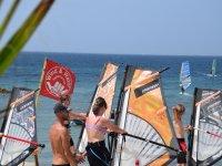 Grupo de iniciación al windsurf