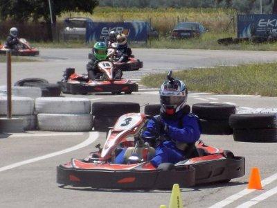 Sesión de karting en circuito de Villafranca 8 min