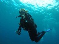 En la inmersion de buceo