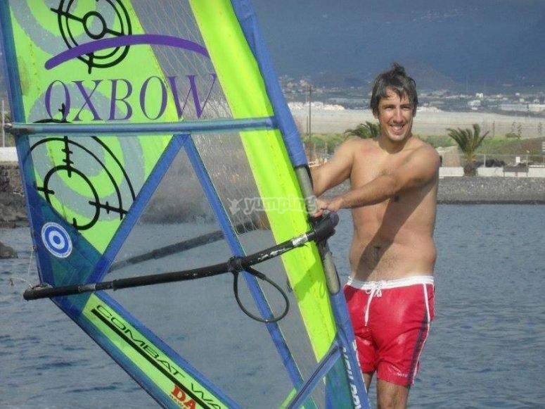 Aprendiendo windsurf en Las Galletas