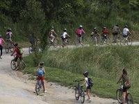 骑自行车游览