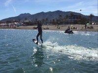 Hoverboard al largo della costa