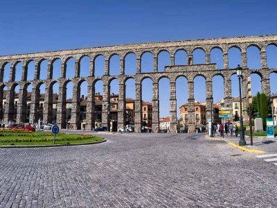 为群体组织的Segovia导览游