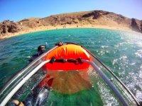llevando el kayak