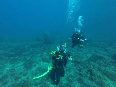 无需材料即可在 Cabo Tiñoso 潜水