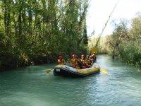 A bordo del raft en el río Guadalope