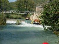 Diferentes tramos de rápidos con el rafting
