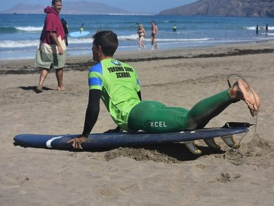 Corso di surf a Teguise 5 giorni 25 ore