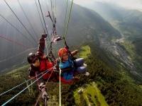 比利牛斯山滑翔伞飞行