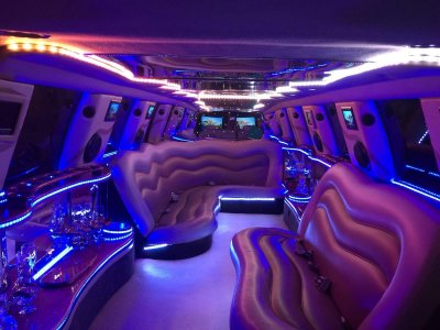 Stag Party: Limousine, Dinner & Show, Barcelona