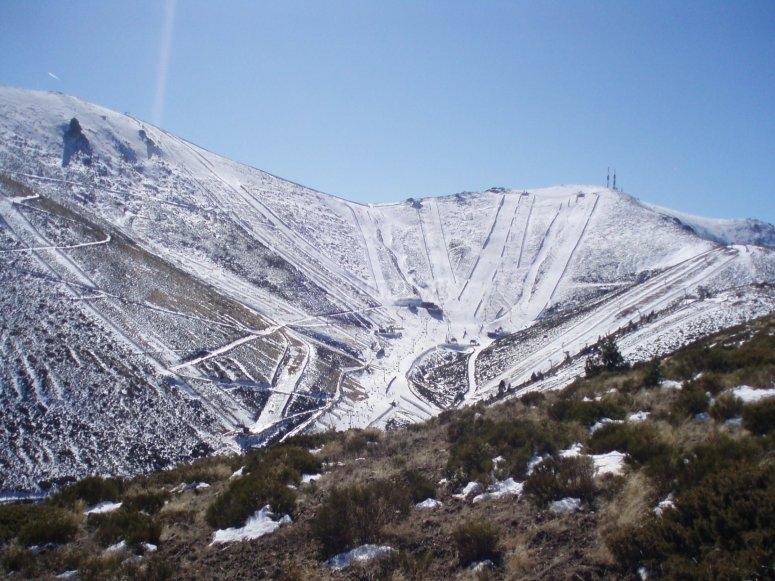 享受滑雪场