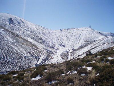 Día exclusivo de esquí en la sierra madrileña