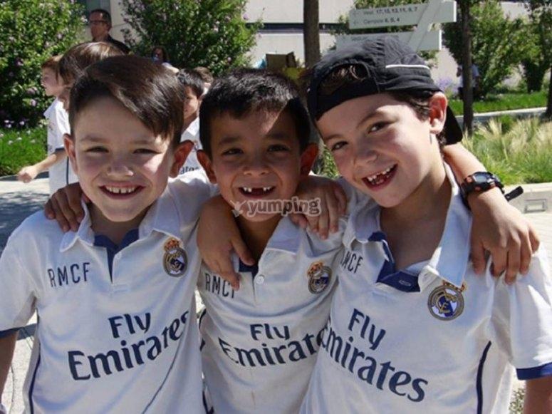 Jovenes futbolistas