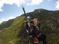 滑翔伞山飞行在隆达30分钟