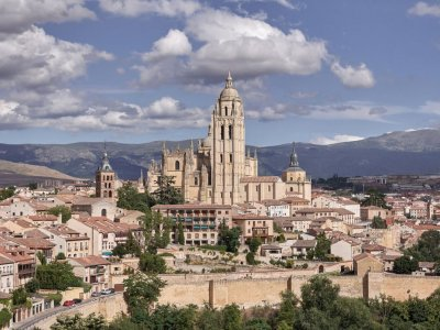 游览塞哥维亚马德里团体和美食