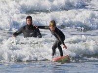 Disfruta aprendiendo a surfear