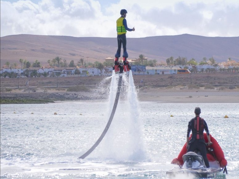 Verticale sul flyboard