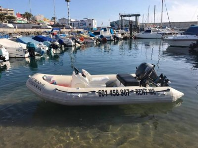 Boat rental at Canarias 2h, low season