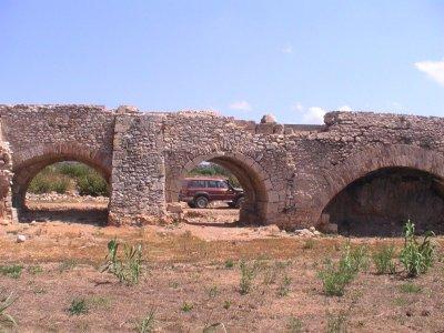 乘坐4x4车辆Tarraco Omnes Terram和Picnic