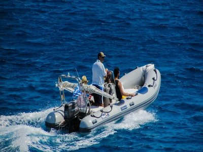 Rent a boat in Canarias, 6h, low season