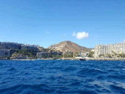 Rent a boat in Canarias, 2h, high season