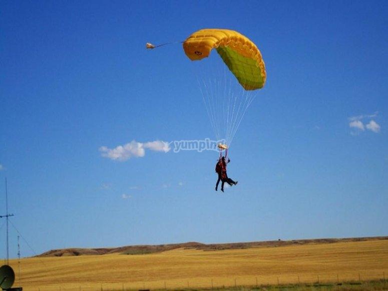 aterrizando paracadismo