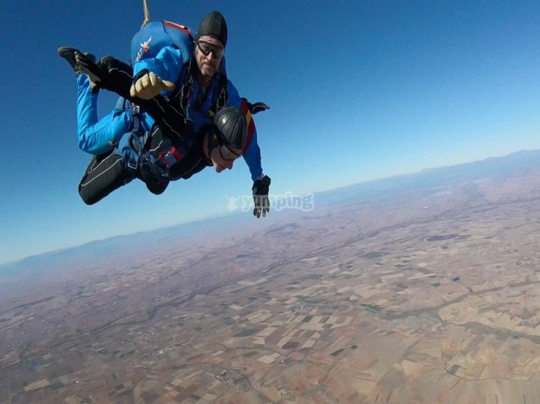 Skydiving with instructor