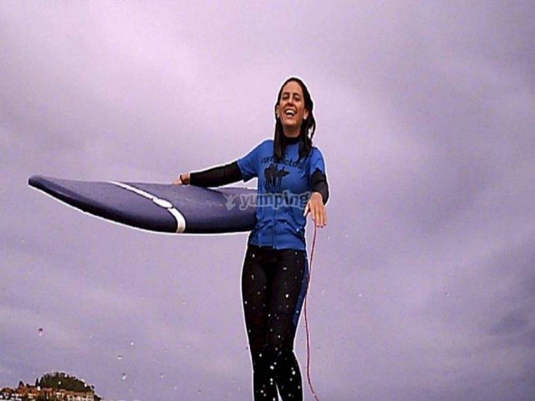 与董事会在手--999-在冲浪课上提供技术