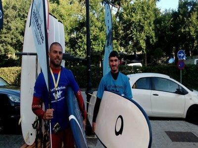 Clase perfeccionamiento surf San Vicente Barquera