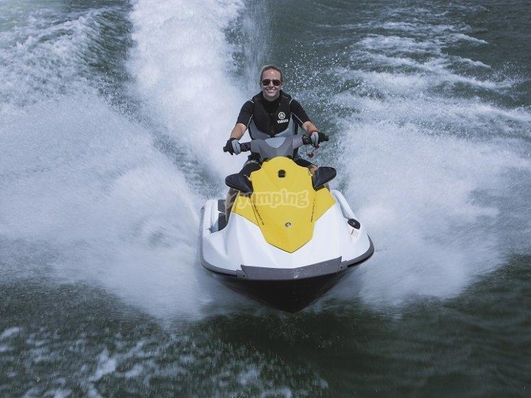 Sesion en moto acuatica