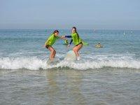 Alquiler de equipo de surf playa La Barrosa 1 día