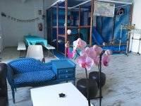 Sala con parque de bolas