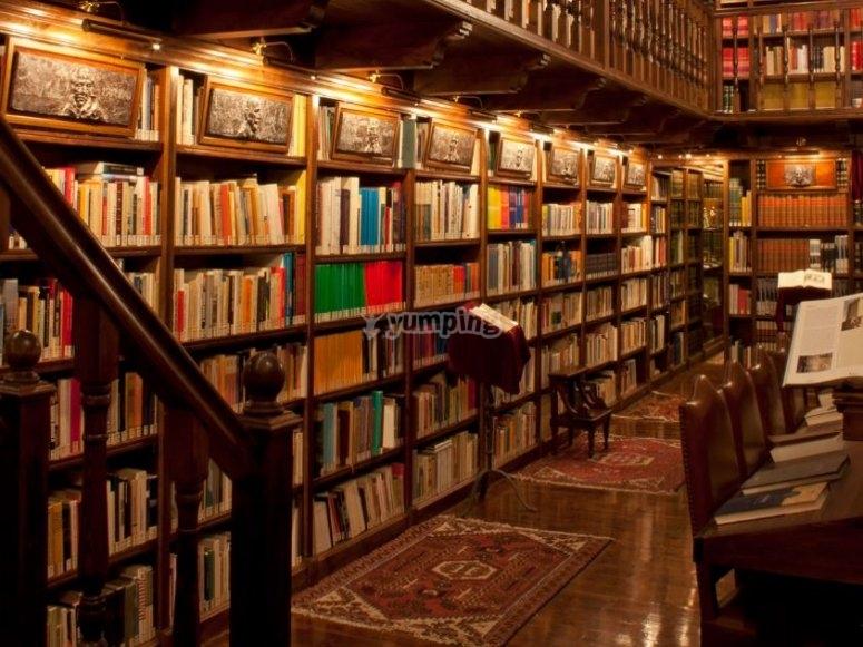 Libreria nelle cantine
