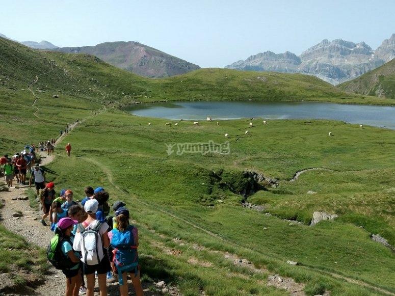 Lago en la montana