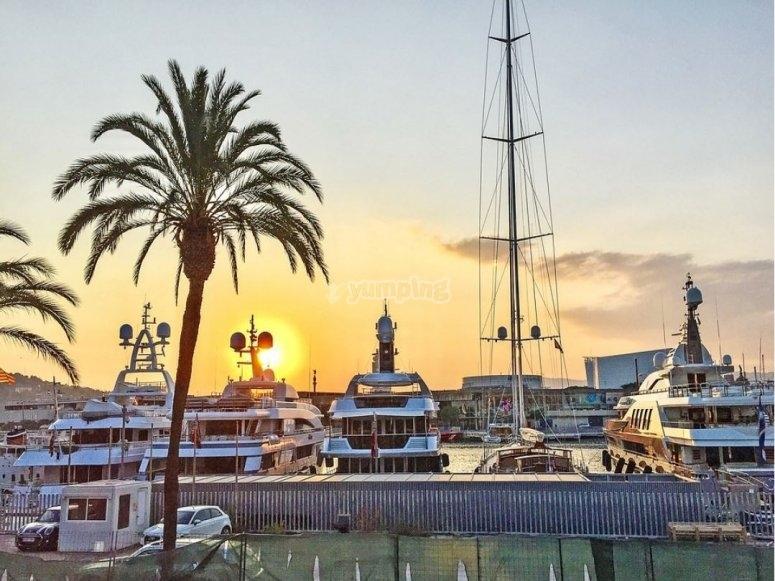 Atardecer en el puerto de Barcelona